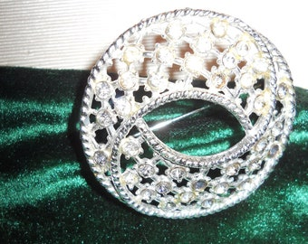 VINTAGE Rhinestone Sparkle BROOCH Silvertone with Pin back