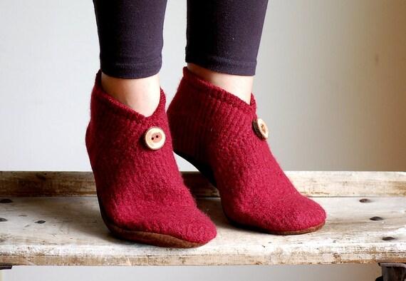 Women Slippers, House Shoes, Leather Soles, women size 9.5 wide width, Mistletoe