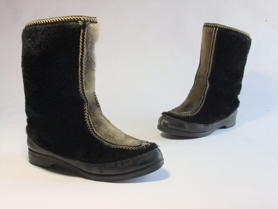 RESERVED Vintage 1950s Snow Boots // Fuzzy Fur Ski Boots with Fleece Lining 7