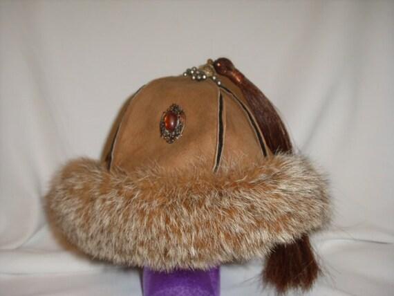 Beautiful Lynx fur hat, beige suede, silver tibetian topper, brown horse tail tassel, antique jewelery pieces