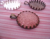20pk Crown Lace Edge Pendant Trays with glass inserts...Size 25mm Circle..Mix and Match