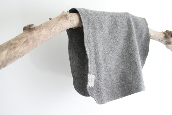 puddle pad // wool pad // changing pad // eco-friendly // plastic free // grey and grey