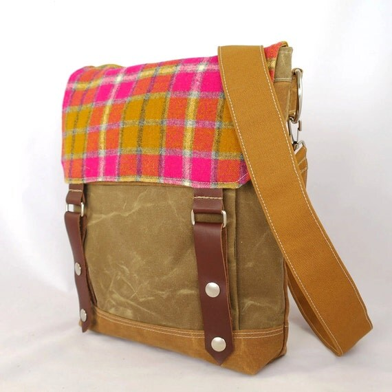 Pinky Waxed Canvas Wooly Satchel