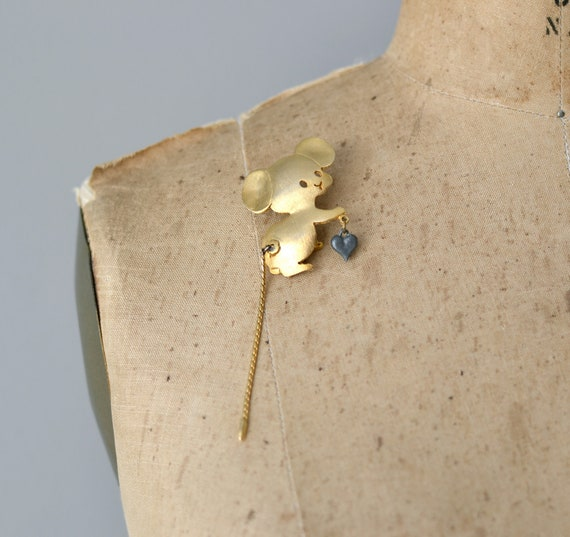 1960s jewelry / 60s animal brooch / Little Mousie pin