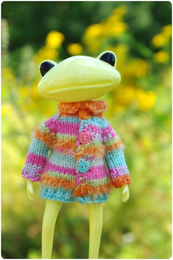 cardigan for wonder frog