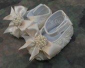 Priority Ship Cream Baby Girl Crib Shoes Ribbon Rosettes with Peals and Crystals for Photo Prop Baptism Christening
