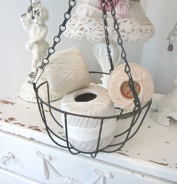 Vintage Hanging Basket - Metal - Rusty Patina - Shabby French Cottage Farmhouse - Planter
