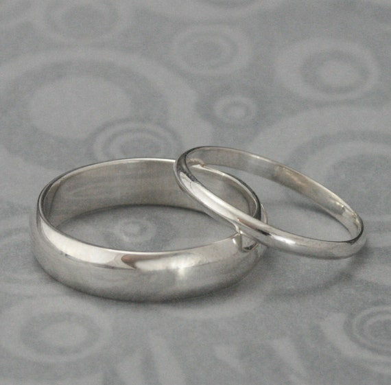 The Perfect Pair--Set of 2 Silver Rings--Men's Wedding Band--Women's Wedding Ring--Silver Wedding Rings--Wedding Band Set--Traditional Bands