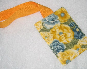 Yellow and blue floral luggage tag with yellow gold strap