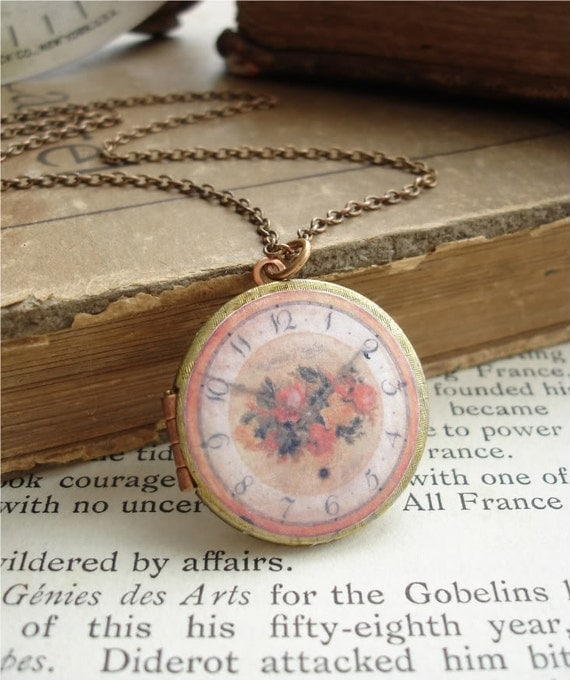 LE JARDIN D'EMILIE - Locket Necklace. Vintage Brass and Copper Round Keepsake Locket with Romantic Roses French Clock Image. Rustic Jewelry.