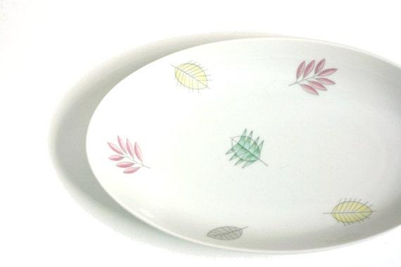 Vintage Pastel Leaves Dish
