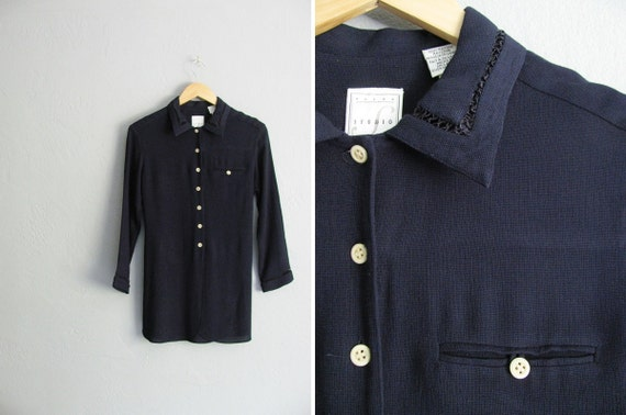 vintage '90s navy blue MINIMALIST button-up tunic with CUTOUT COLLAR & sleeves. size s.