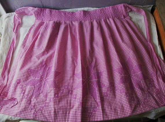 Vintage Apron,  Purple and White,  Gingham Apron, Embroidery