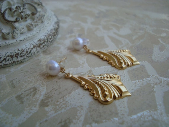 Vintage Art Deco Matte Gold and Pearl Earrings Victorian Shabby Chic With White Pearls