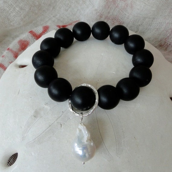 ONYX with BAROQUE PEARL Bracelet