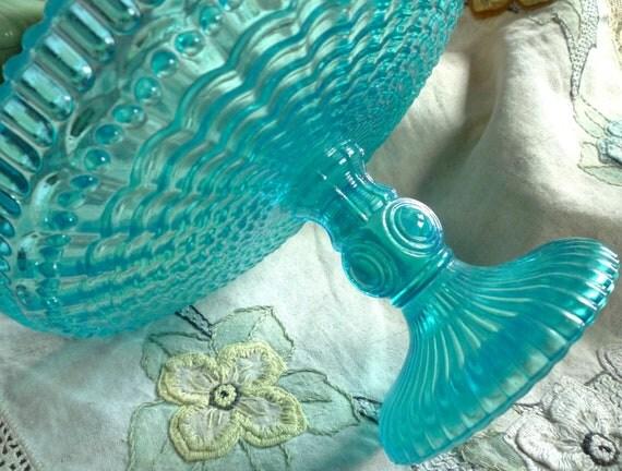 breathtakingly beautiful bermuda blue pedestal cake stand