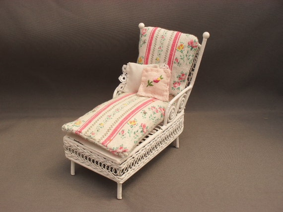 shabby chic chaise lounge for one inch scale doll by thetoybox. Black Bedroom Furniture Sets. Home Design Ideas