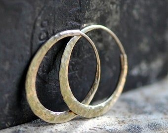 classic oval hoops in hammered 14k gold,  solid 14k gold hoops endless style, eco friendly jewelry, continuous, self locking