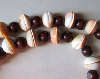 Wooden Shell Peachy Brown Copper Necklace