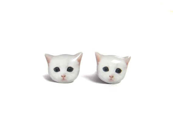 Cute White Cat Kitten Stud Earrings - A025ER-C04  Made To Order - Marked Down