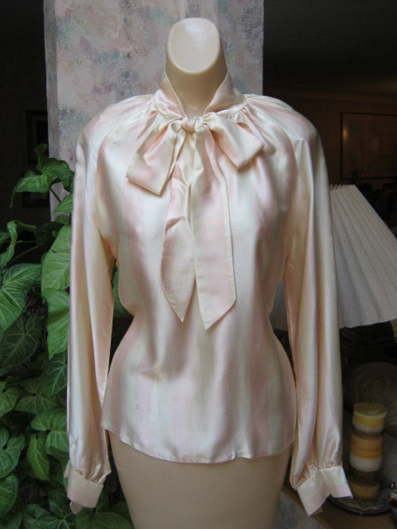 Soft silky sweet cream pale pink stripe tie neck blouse size S
