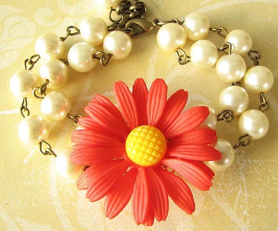 Bridesmaid Jewelry Flower Bracelet Daisy Jewelry Beaded Bracelet Red Jewelry Pearl Bracelet Gift For Her