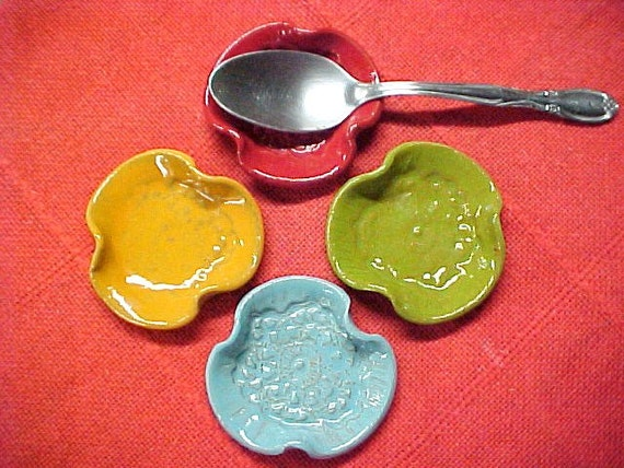 4 Colorful Spoon Rests Red Lime Aqua Tangerine Tea Bag Caddy Wasabi Dish Chopstick Holders Festive Colors Handy Dishes