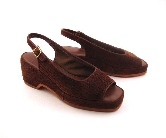 Sandals Vintage 1970s Cobbies Chocolate Brown Suede Leather Wedges Women's 6
