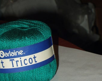 1-3/4 oz balls  Darlaine Soft Tricot Crochet Thread Color Color 927,Lot 245731 Green, Unused, Discontinued
