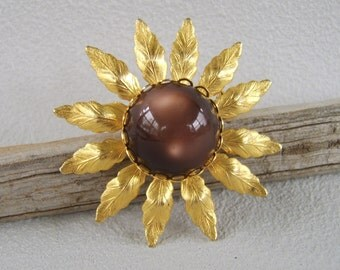 Vintage Gold & Brown Celluloid Flower Brooch Daisy