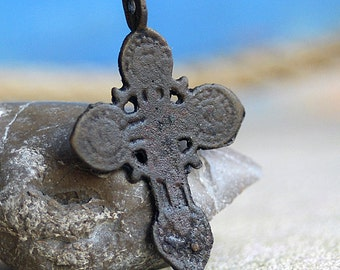 MIDDLE AGES antique or vintage cross, from a private dig, jewelry, religion curcifix, faith coolvintage, metal patina cross, x 361