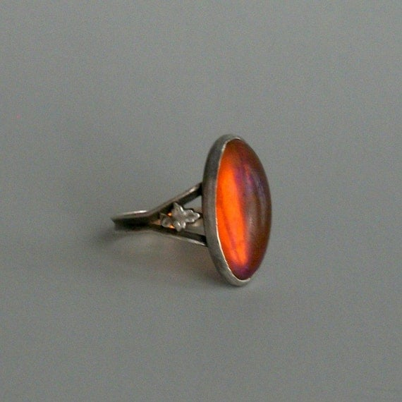 Antique Dragons Breath Ring. Sterling. Leaves. Oblong Oval.
