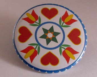 Dutch hearts pocket mirror