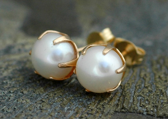 White Pearl and 14k Yellow Gold Earrings