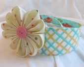 Reversible cloth headband with flower hair clip