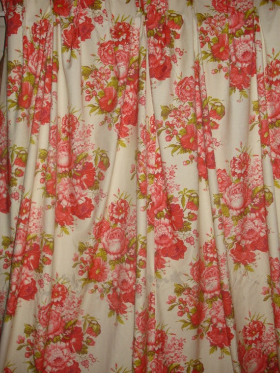 Vintage Red Floral Bouquets Pleated Insulated Curtain Drapes 2