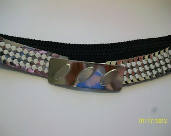 Vintage 80s Fishscale Stretch Cinch Waist Metal Belt DEADSTOCK Silver and White Futuristic