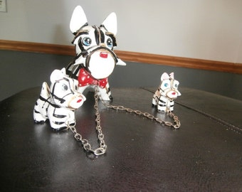 Scottie-Ceramic Dog Figurines -On chains-Vintage Mother Scottie Dog with Two Puppies on a chain
