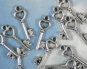 25 Heart Keys Tiny 21mm SilverTone Charms Vintage Style - Wedding Paper Arts Doodad (P1048)
