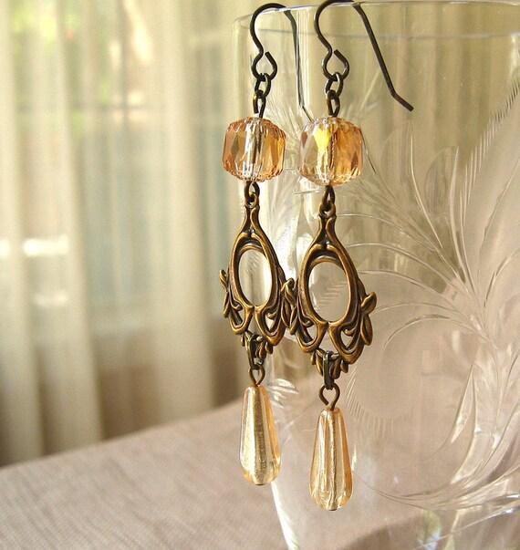 Forest Elf III Champagne - Amber glass brass earrings - Elysia