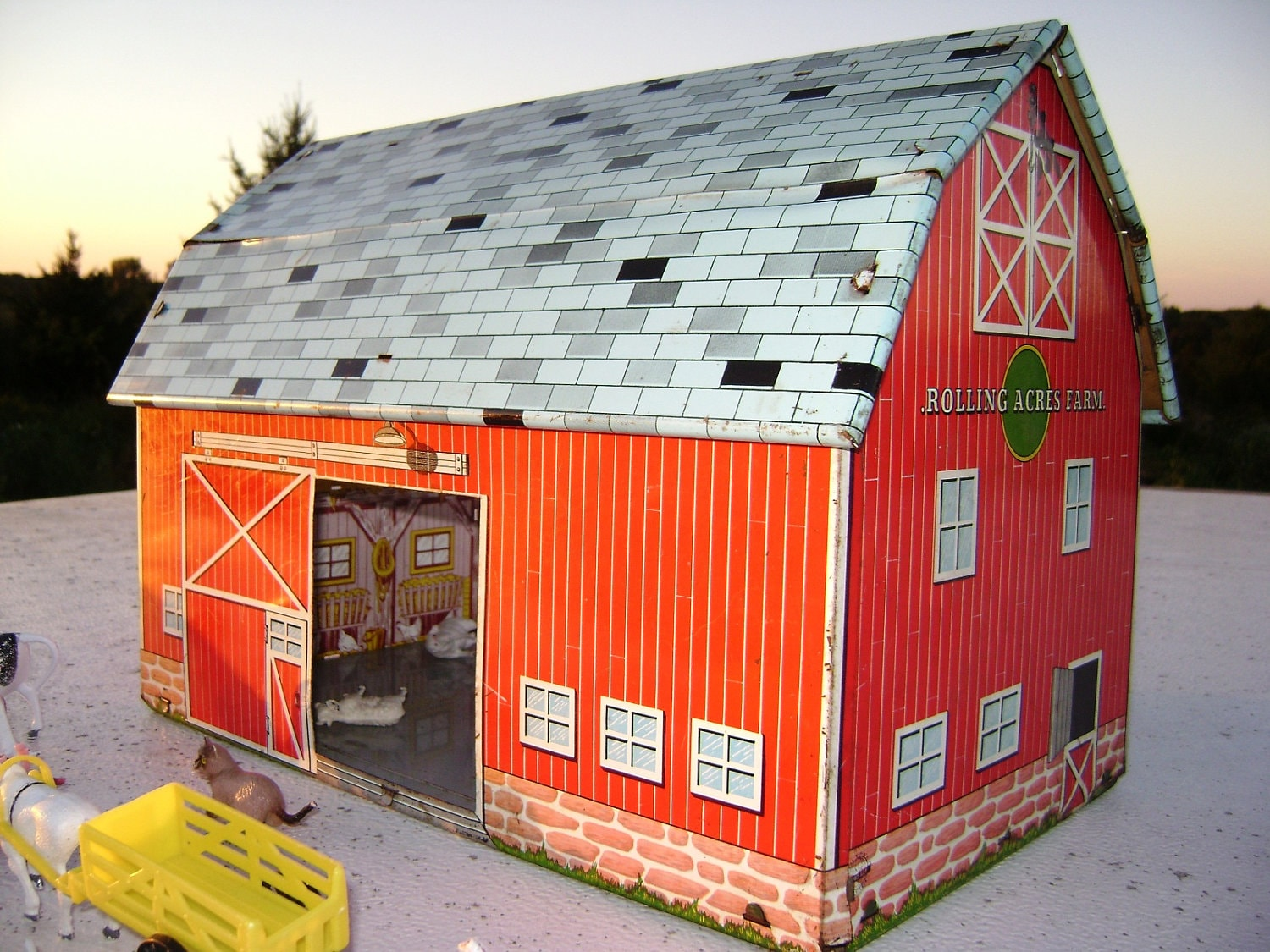 Vintage toy red metal barn rolling acres farm child 39 s for Red metal barn