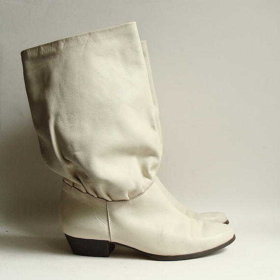 80s boots / boots 6.5 / white leather boots / slouchy 80s calf boots / mid calf boots / shoes 6.5 / vintage boots