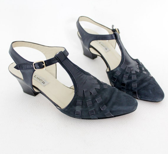 Vintage shoes / navy suede T-strap heels / size 39-8