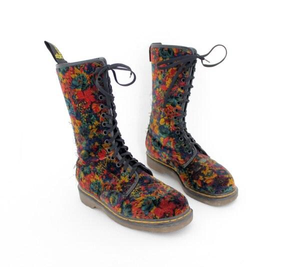 r e s e r v e d for grimlinx23669 Vintage boots / floral Doc Martens / size uk 5 us 7.5