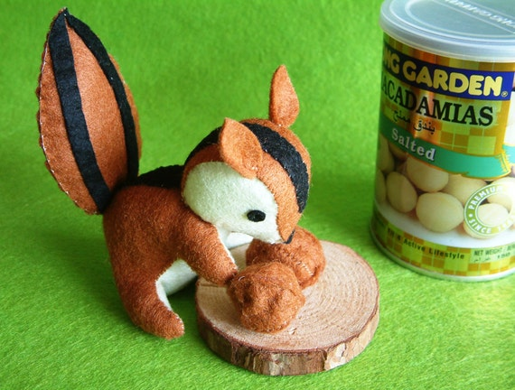 Reserved for Maya-- Felt toys DIY -Squirrel love nuts- T23