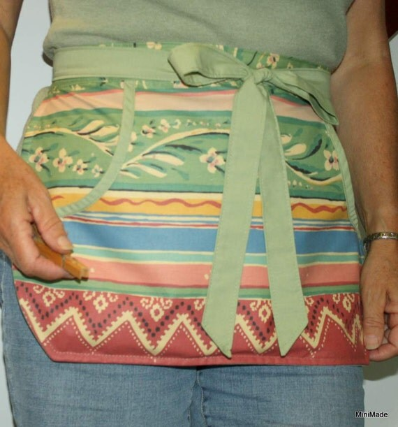 Clothespin Apron, Practical Pocket Apron, Recycled Vintage fabric