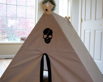 Pirate Fold Up Children's Play Tent - Canvas, fort, playhouse, kids, jolly roger, skull
