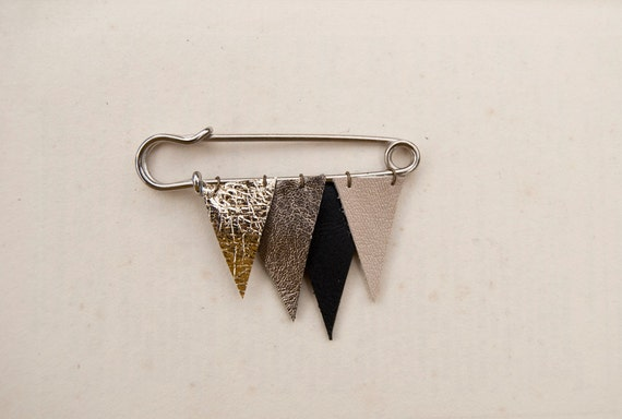 ICICLE no. 35 - metallic leather brooch