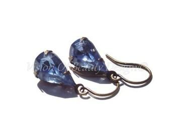 Light Sapphire Vintage Rhinestone Earrings