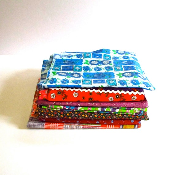 Whole Lotta of Vintage Retro Fabric Lot  of 5 Pounds and 18 Yards.